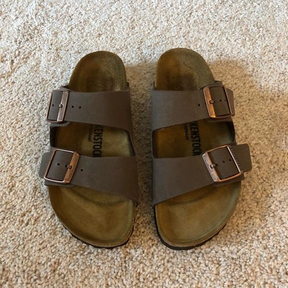a8b2b4e4cbe Birkenstock Shoes - Women s Mocha Birkenstock Arizona Sandals. Size 38